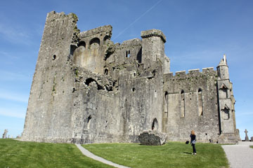 Rock of Cashel - Andei in Foreground