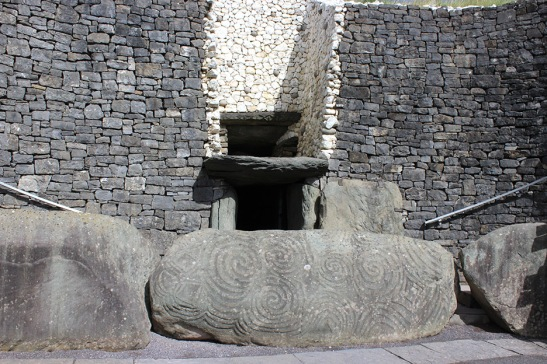Entrance to the Stone tomb.
