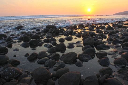 Sunset on the Rocks, El Zonte El Salvador